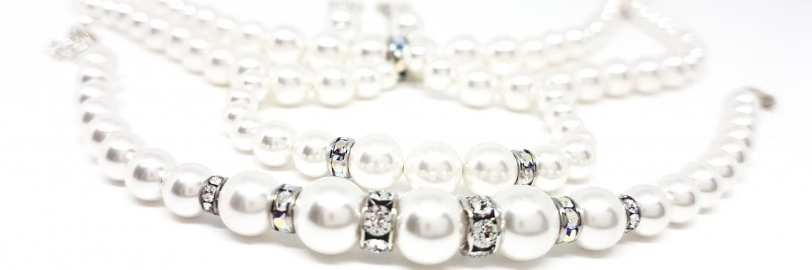 Swavovski pearls white set