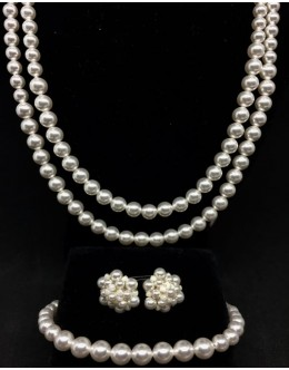 Swarovski white pearls1