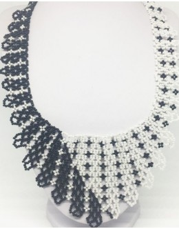 Toho black& white collar 2